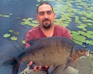 NEW RECORD BREAM: 6.07 kg Ballywillan Lough Fisheries, Co. Down, 24th June, 2012 – Bryan Robinson
